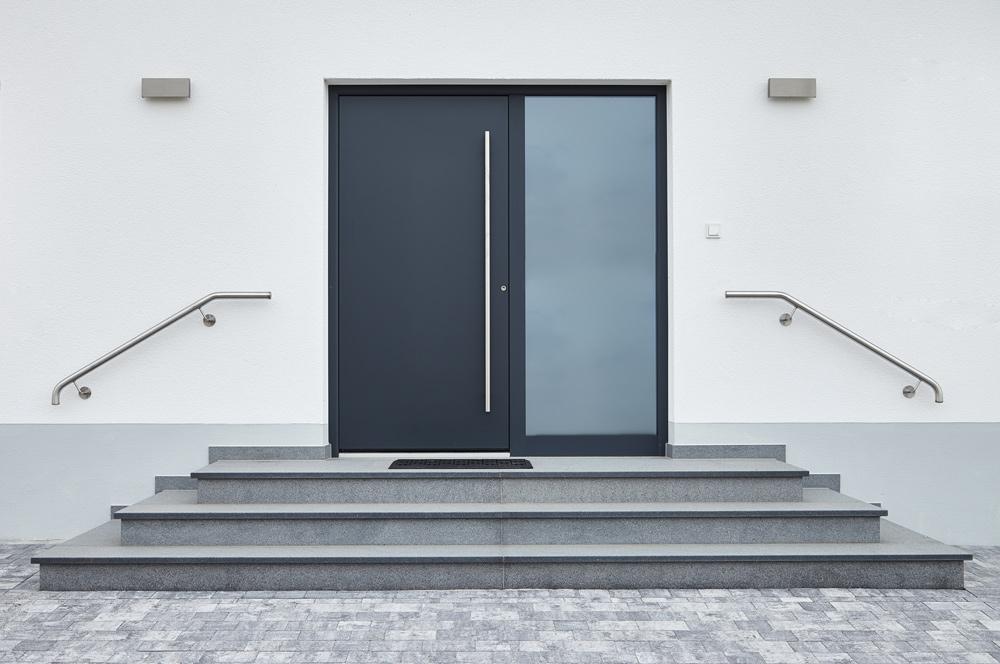 BSP, Bau, Bauträger, Einfamilienhaus, Eingang, Tür, Treppe